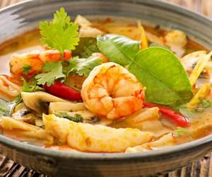 Tom Yam Suppe: Garnelen, Kokosmilch & Zitronengras für einen einzigartigen Geschmack