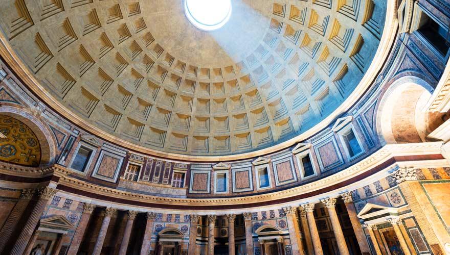 Das Pantheon in Rom von innen