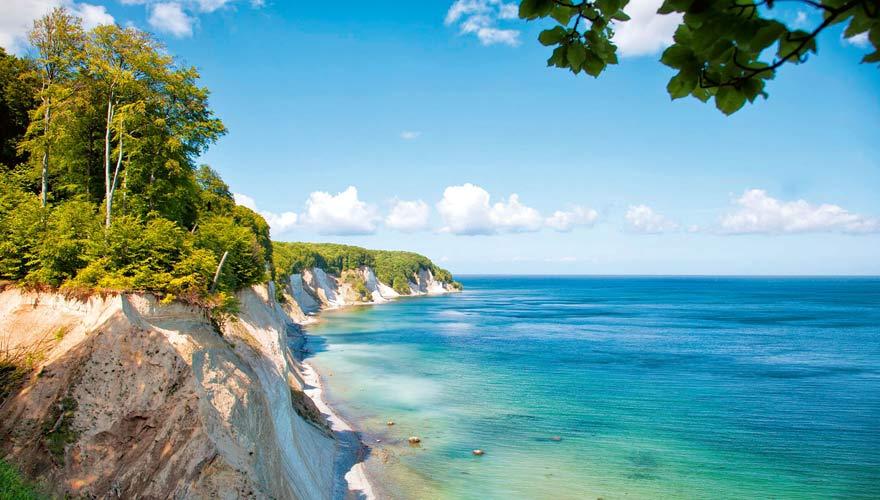 Ostseeküste von Mecklenburg-Vorpommern mit Steilküste