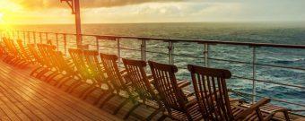 Sonnendeck auf Kreuzfahrtschiff