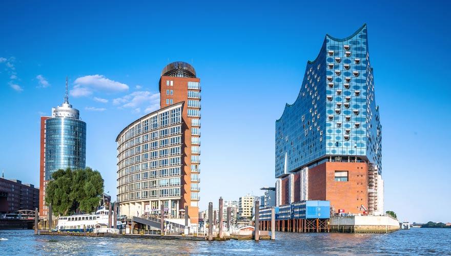 Hafen-City mit Elbphilharmonie in Hamburg