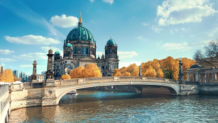 Der Berliner Dom ist ein echter Hingucker auf eurer Rundtour durch die Stadt