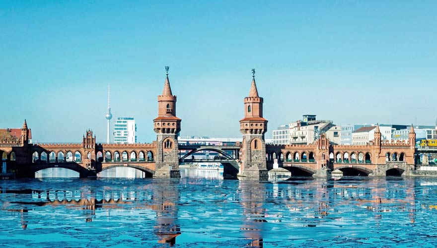 Oberbaumbrücke in Berlin Kreuzberg