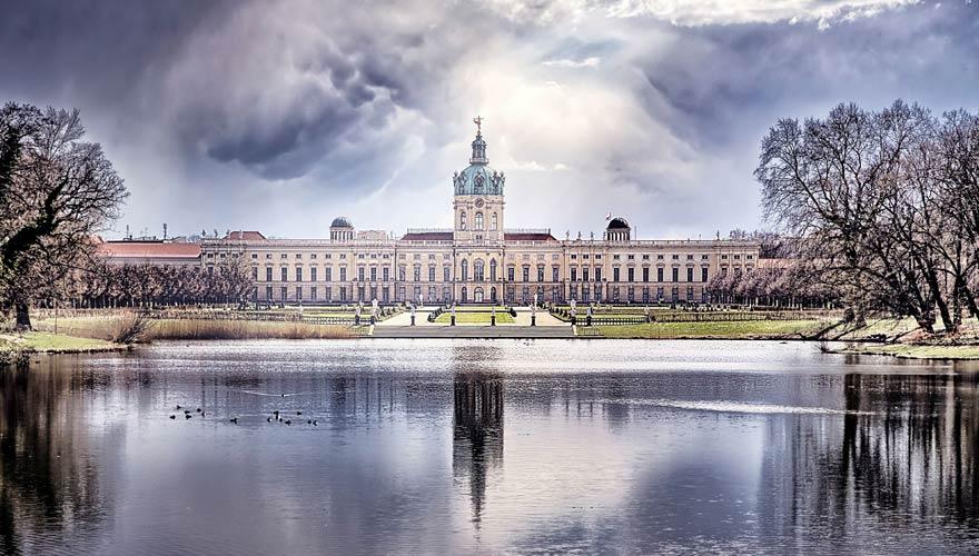 Eine tolle Sehenswürdigkeit in Berlin ist das Schloss Charlottenburg