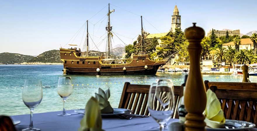 Boot vor der kroatischen Insel Sipan