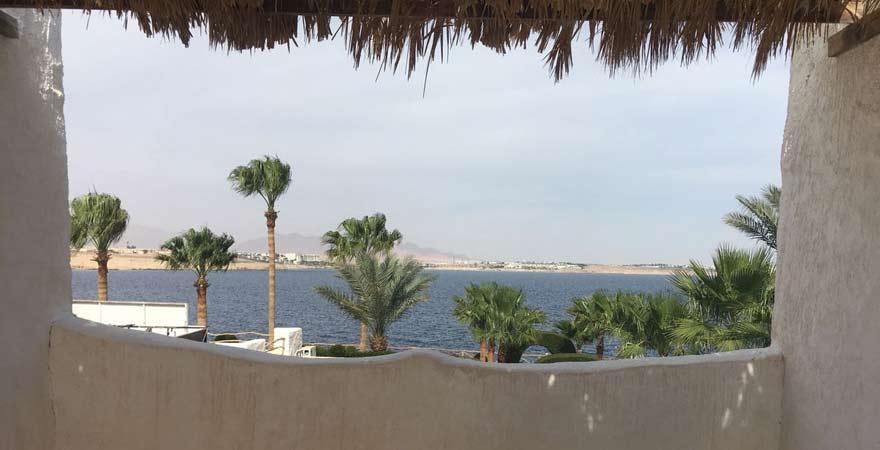 Ausblick aufs Meer vom Innenhof des Labranda Tower Bay Sharm el Sheikh