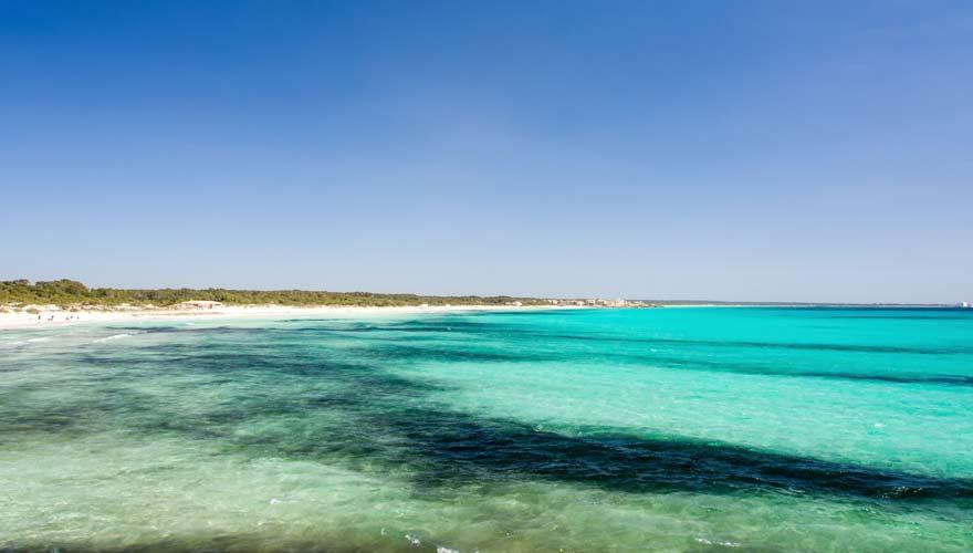 Der Strand von Es Trend auf Mallorca ist einen Besuch wert