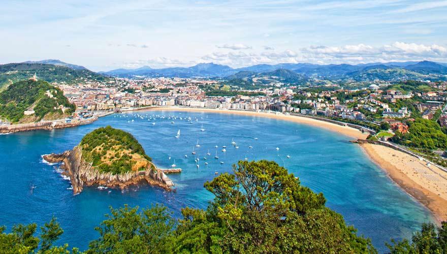 Blick auf San Sebastián an der Costa Vasca in Spanien