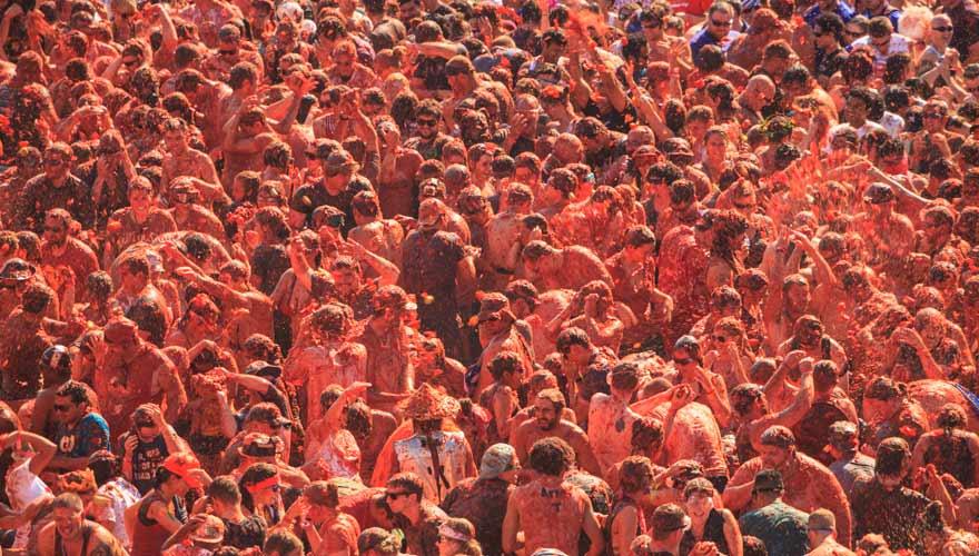 Menschen bei der La Tomatina
