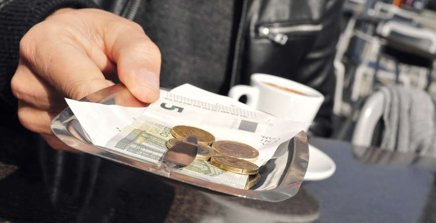 Trinkgeld im Café