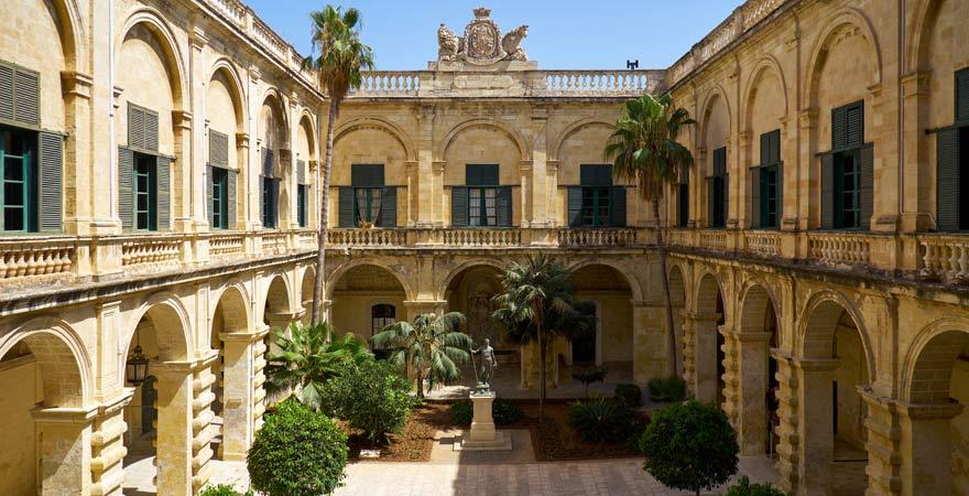 Unser Reisetipp für Malta: Besucht den Großmeisterpalast in Valletta