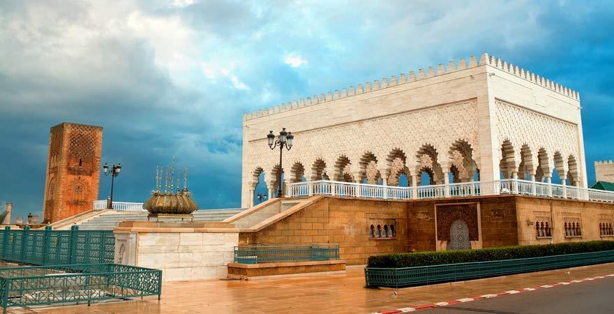 Ein Reisebericht über das Mausoleum und den Hassan-Turm in Rabat, Marokko