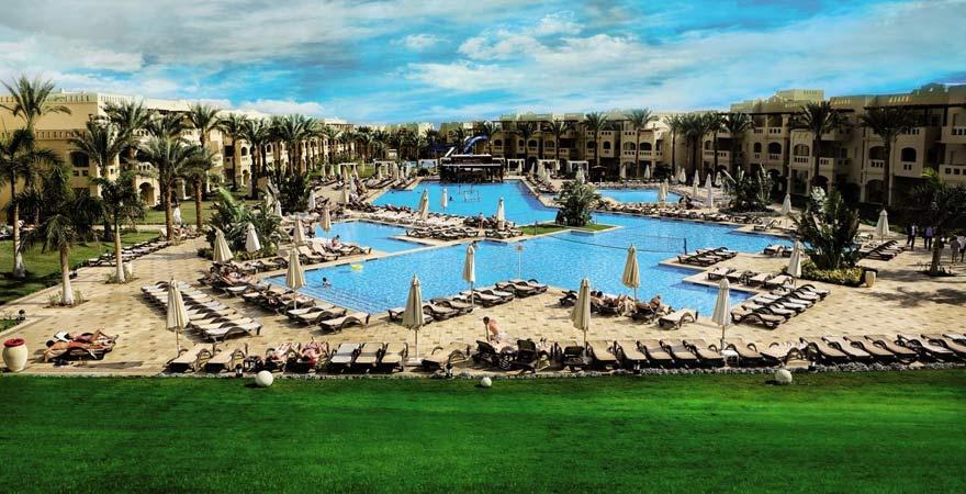 Die Poolanlage des Rixos Sharm el Sheikh