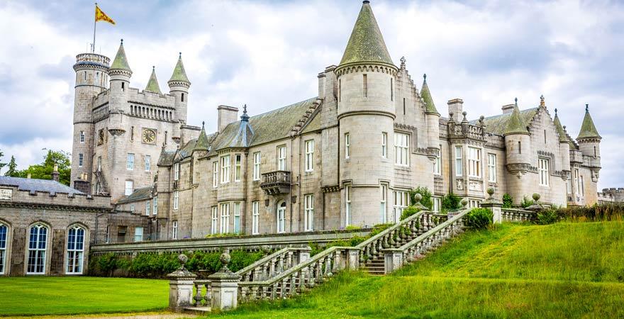 Schloss Balmoral: Das bevorzugte Ziel für die Flitterwochen der britischen Royals