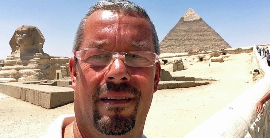 Andreas vor der Sphinx von Gizeh