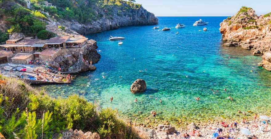 Zurecht einer der schönsten Strände Mallorcas: Cala Deià