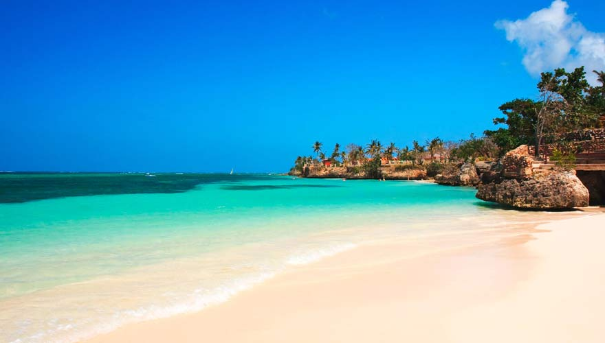 Strand von Guardalavaca auf Kuba - eines der besten Reiseziele auf der Insel