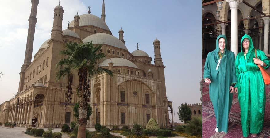 Wer die Muhammad-Ali-Moschee in der Kairoer Zitadelle besichtigen möchte, braucht angemessene Kleidung.