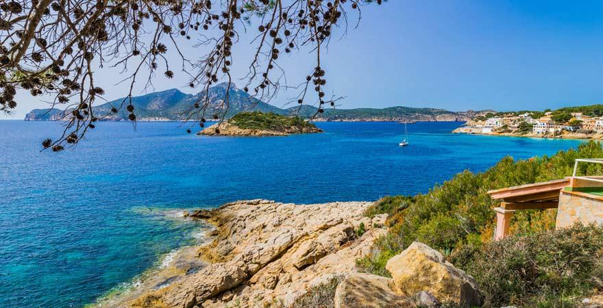 Ausblick auf die Dracheninsel vor Sant Elm, Mallorca