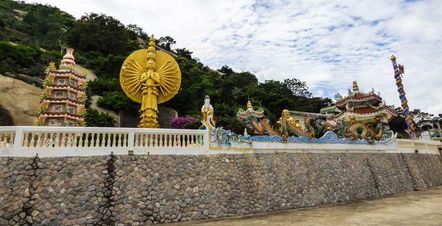 In diesem Reisebericht kann ich euch den Wat Khao Takiap Hua Hin nur empfehlen