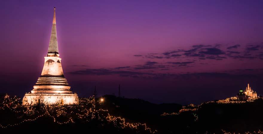 Wat Phra Nakhon Khiri Phetchaburi bei Nacht