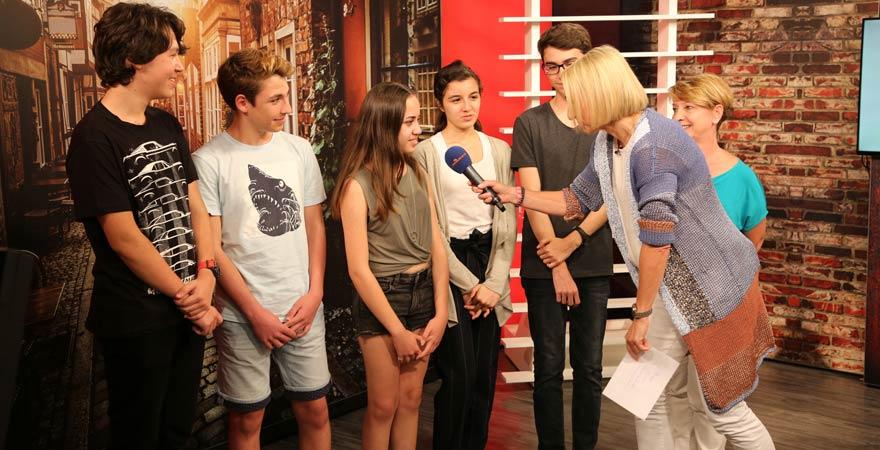 Schüler der Deutschen Schule Bodrum zu Gast in der Sendung von Moderatorin Sandra