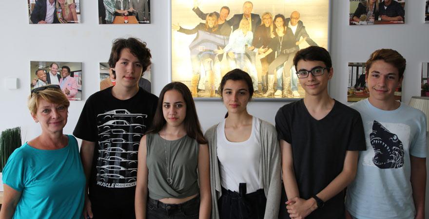 Schüler der Deutschen Schule Bodrum im sonnenklar.TV Studio
