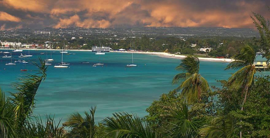 Barbados ist nicht nur wegen der atemberaubenden Strände, sondern auch wegen Bridgetown einen Besuch wert.