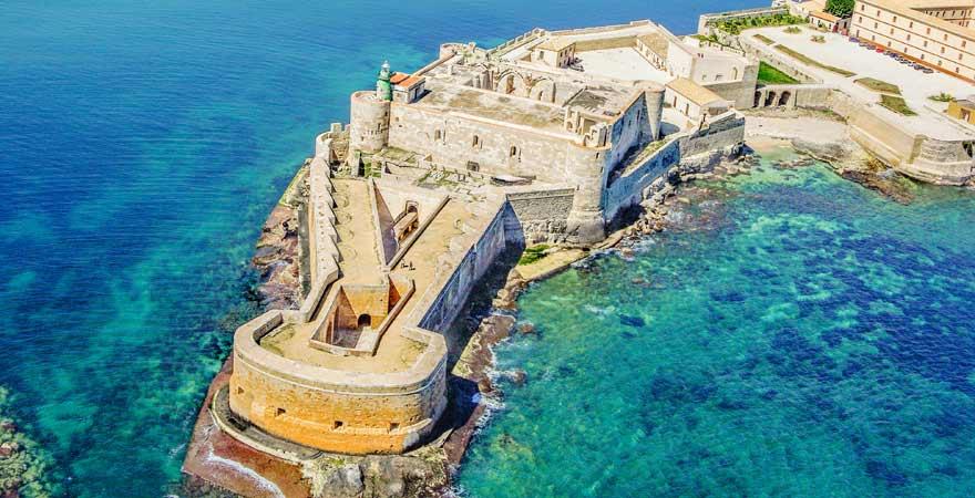 Unser Ausflugtipp für Sizilien: Das Castello Maniace