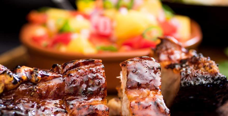 Jerk Pork ist ein typisches Gericht für die Karibik