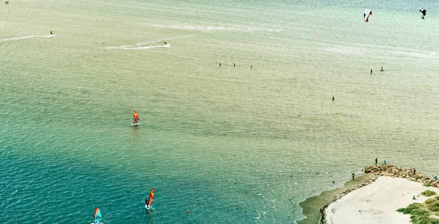Wichtiger Reisetipp für die Ostsee: kiten und surfen