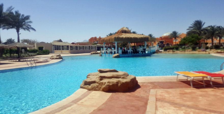 Poolbar im Caribbean World Resort Soma Bay