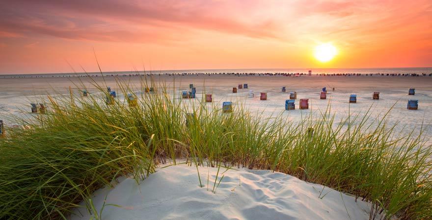 Ein absoluter Reisetipp für die Nordsee: einmal den Sonnenuntergang auf Amrum erleben!