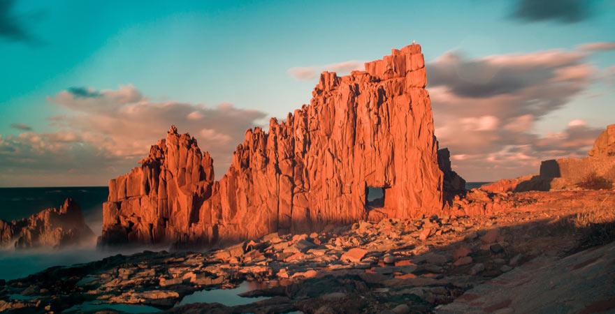 Die roten Felsen von Arbatax sind ein toller Reisetipp für Sardinien