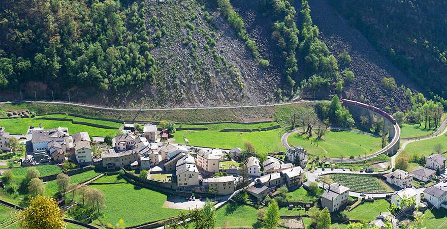 Kreisviadukt in Brusio, Schweiz