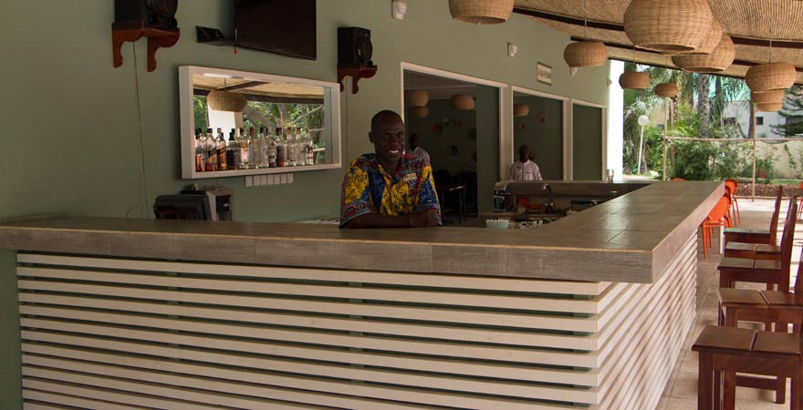Bar im Senegambia Beach Hotel