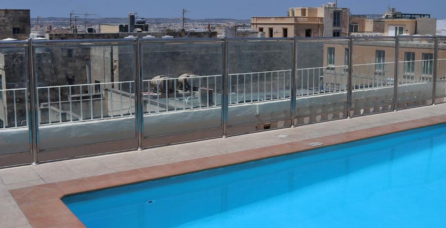 Pool, Hotel Osborne, Valletta, Malta