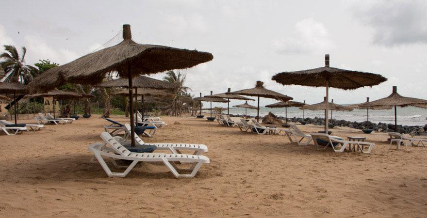 Der Strand vor dem Senegambia Beach Hotel