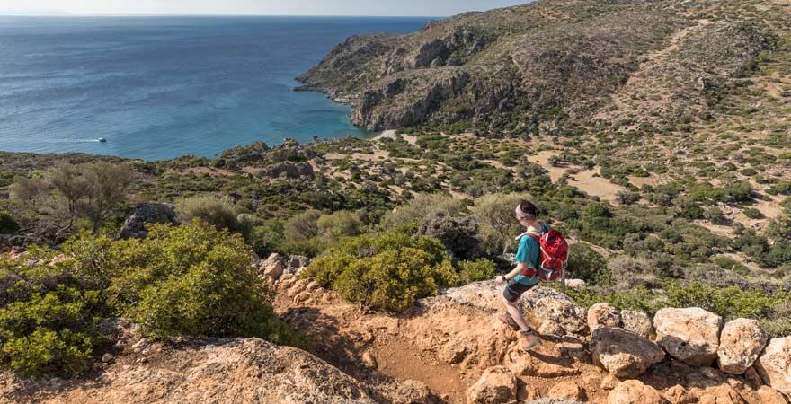 Wandern auf Kreta? Da gibt es auch Routen direkt zum Strand
