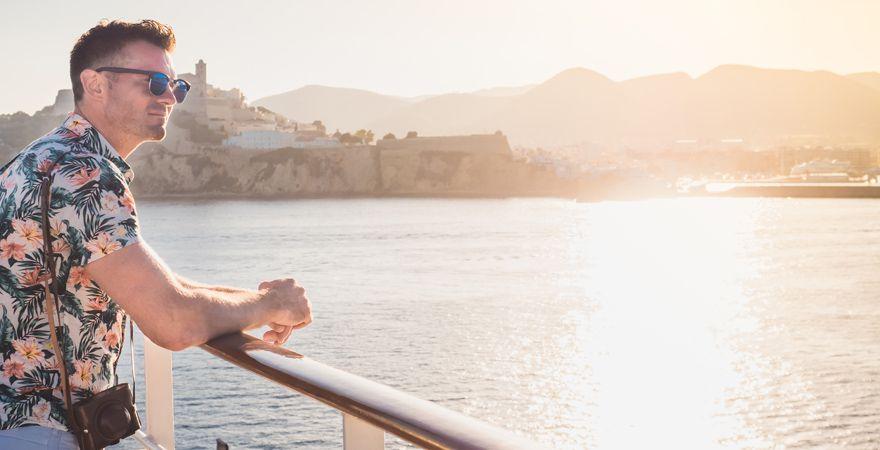 Ein Tipp gegen Seekrankheit: raus an die frische Luft!