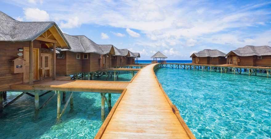 Bungalow-Steg auf den Malediven