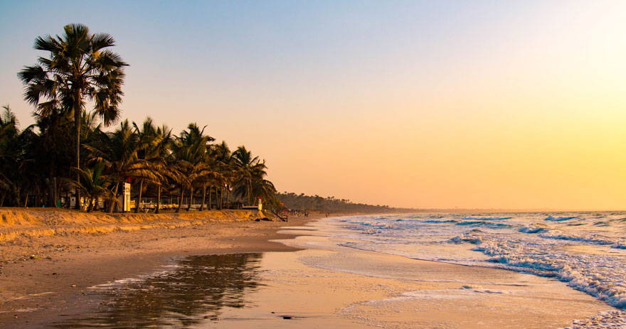 Sonnenuntergang am Strand in Gambia