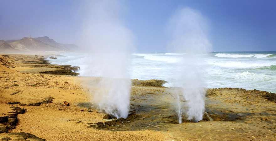 Blowholes am Mughsail Beach