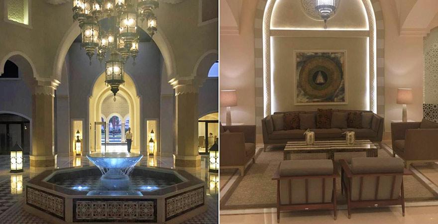 Die Lobby mit gemütlicher Sitzecke im Steigenberger Alcazar
