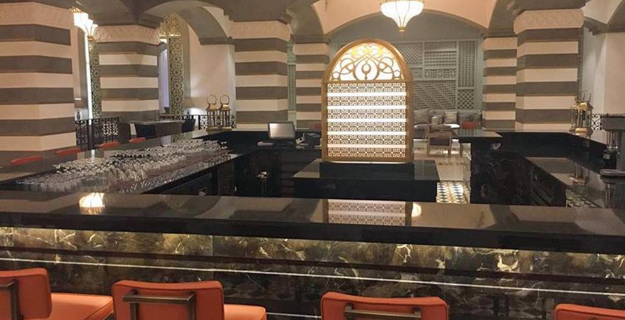 Die Lobbybar des Steigenberger Alcazar Hotels