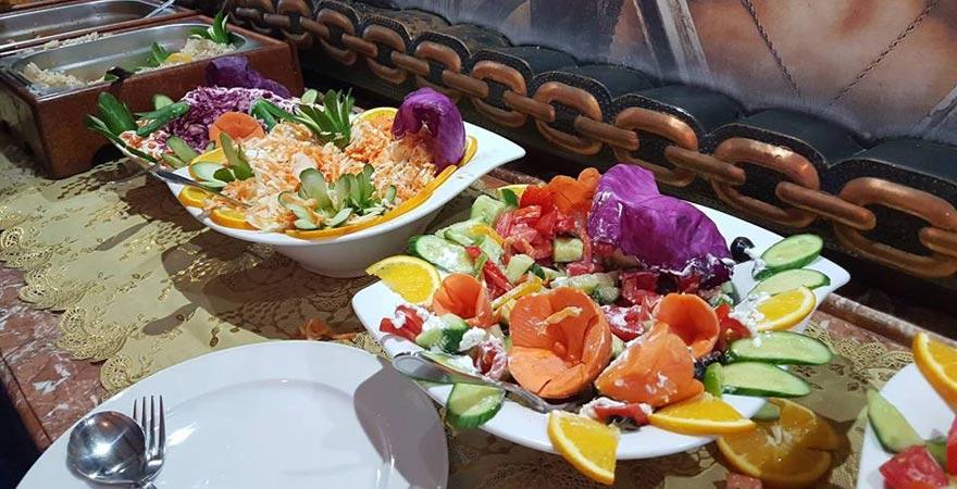 Mittagessen auf dem Schnorchelausflug Sharm el Sheikh