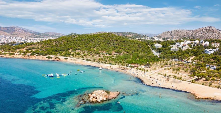 Strand von Vouliagmeni an der Riviera Athens