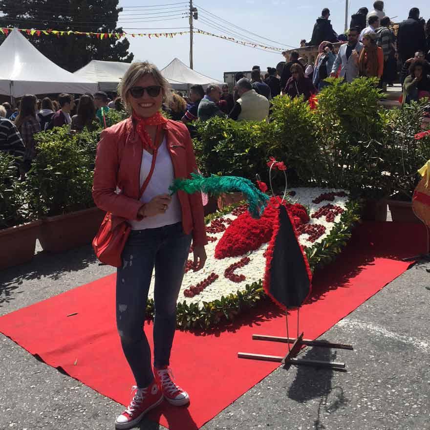 Antonija auf dem Erdbeerfest in Mgarr auf Malta