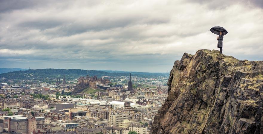 Super Schottland-Reisetipp: Herrliches Panorama auf Edinburgh vom Arthur's Seat aus
