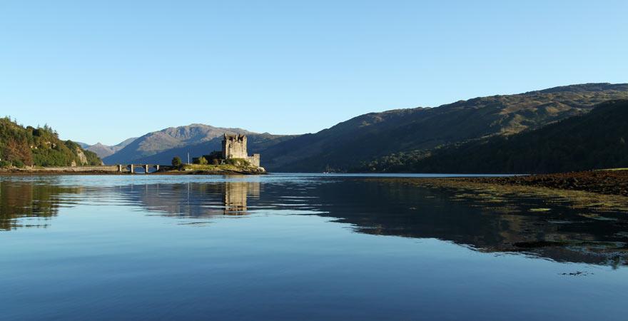 Eine der schönsten und sehenswerten Burgen: Eilean Donan Castle in Schottland